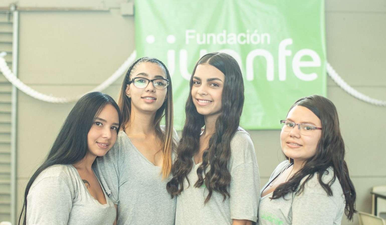 Postúlate a la Fundación Juanfe para madres adolescentes